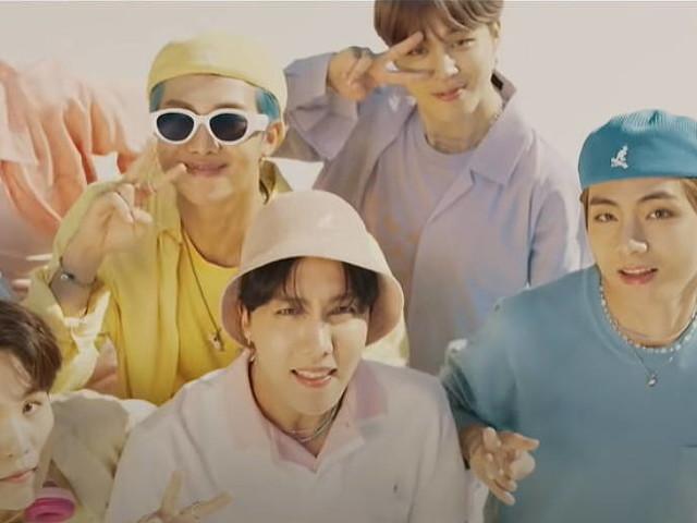 Grupo BTS coloca trajes do clipe de 'Dynamite' para leilão de caridade musical nos EUA