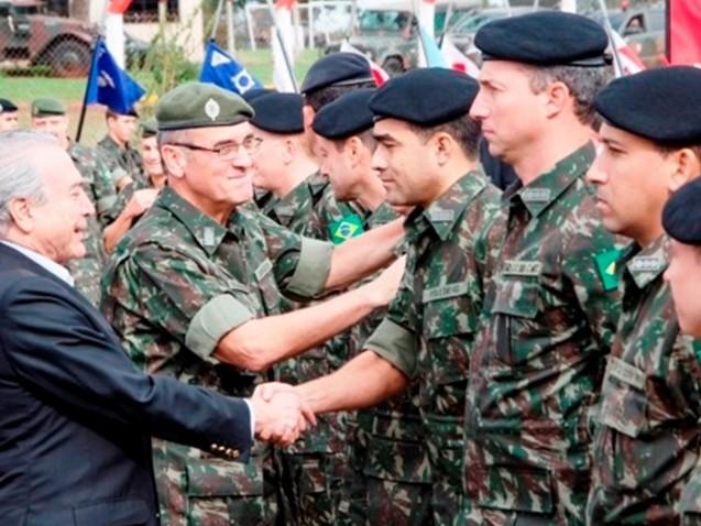 Militares tramam a queda de Temer debaixo do seu nariz