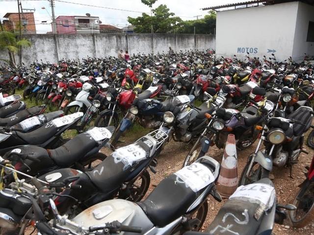 Semob faz leilão de mais 400 veículos no Centur