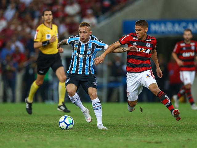 Fora da Copa do Brasil, Everton pede prioridades ao Grêmio