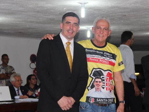 De estagiário a presidente, Constantino Júnior assume o Santa de 2018 a 2020