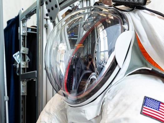 Missão Artemis   Revelado traje espacial inovador para levar humanos à Lua