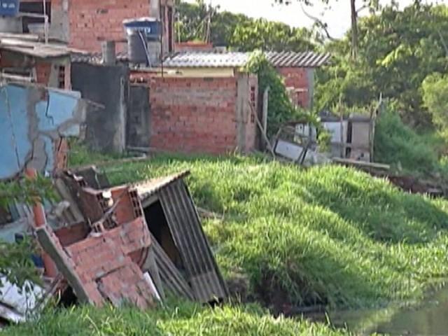 Sobe para 56 o número de casas interditadas na Vila Sônia em Itaquaquecetuba