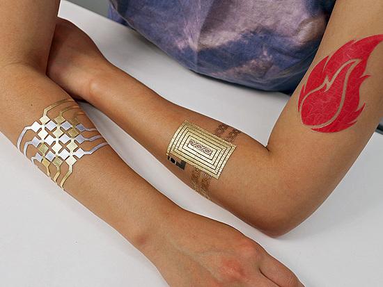 Festival nos EUA exibe tatuagens 'high tech' e produtos de maconha