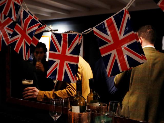 Todos os dias cinco portugueses tornam-se britânicos