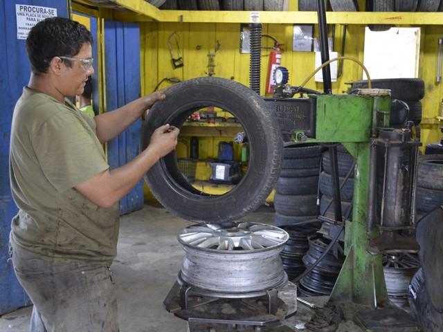 SineBahia tem vagas para borracheiro, confeiteiro, motorista de caminhão, eletricista auxiliar e outras