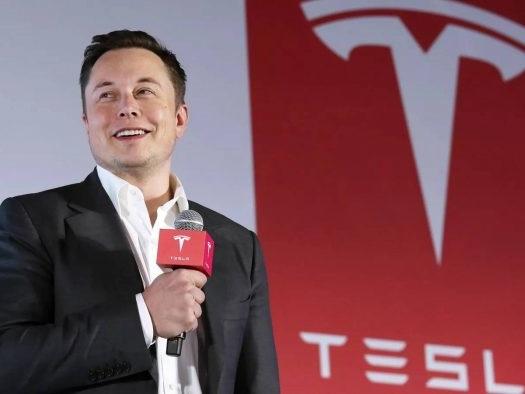 """Tesla promete carro totalmente autônomo este ano e """"robotáxis"""" em 2020"""