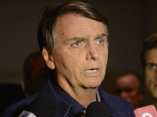Bolsonaro defende que professores sejam gravados e critica questões do Enem