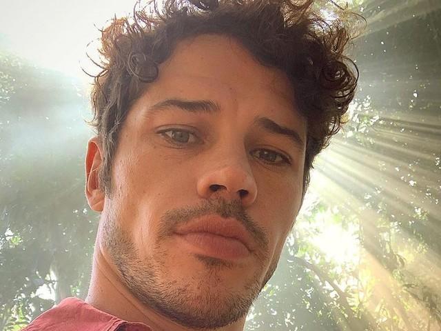 José Loreto choca com a aparência ao surgir em clique raríssimo com o seu grande amor