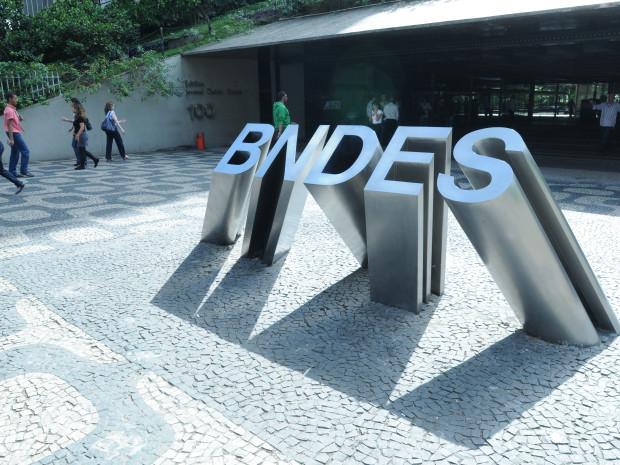 Em Defesa do Social Desenvolvimentismo no BNDES