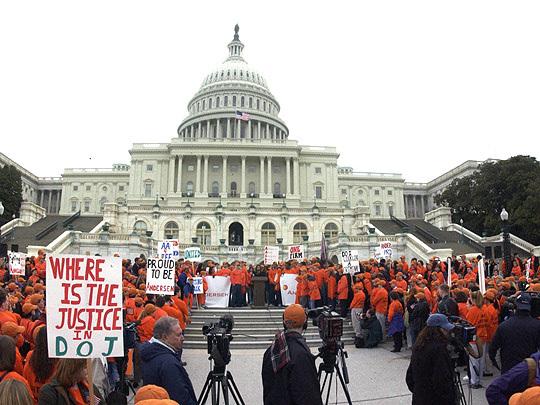 Jornalista vê recuo dos EUA no combate a crimes de empresas