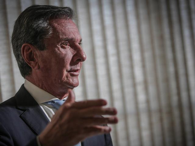 Crítica à retórica agressiva | Collor: Bolsonaro ganharia muito se retirasse ideologia do governo