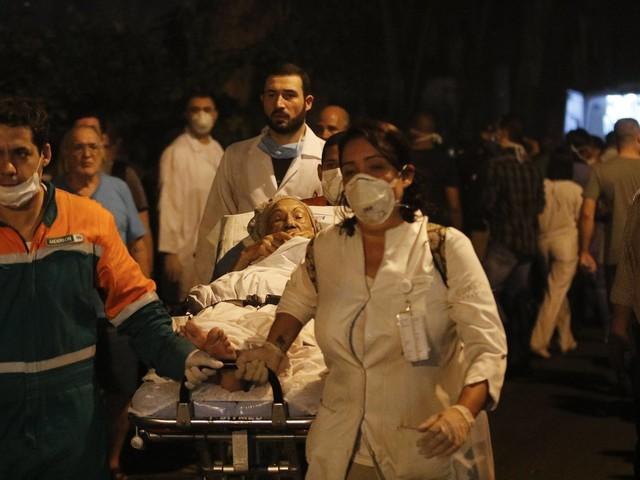 Incêndio em hospital matou 11   Controle de fumaça e elevador de segurança poderiam minimizar tragédia no Rio