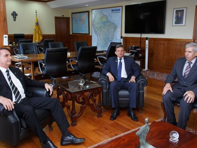 Militares pedem a Bolsonaro reajuste em troca de mudanças na Previdência