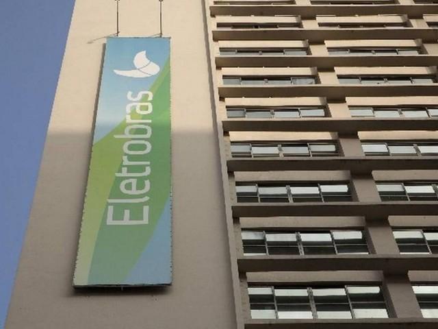 Eletrobras deve ser privatizada rapidamente, diz Rodrigo Maia