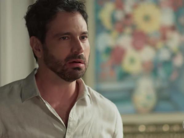 """Galã em """"Segundo Sol"""", Caco Ciocler ousa no visual e fica irreconhecível para nova atuação"""