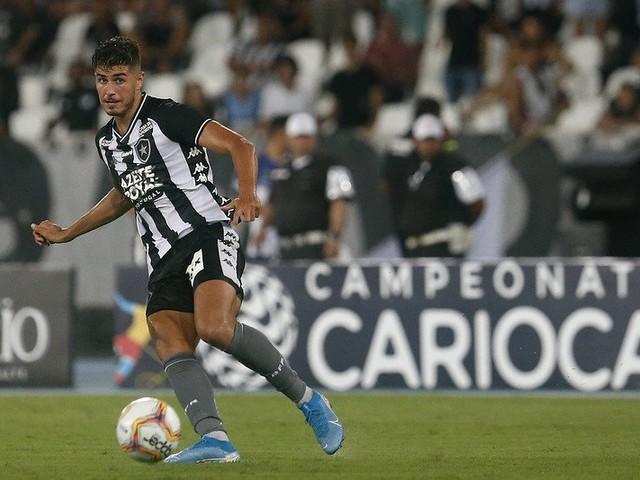 """Atacante Pedro Raúl enaltece vitória do Botafogo: """"Foi uma noite especial"""""""