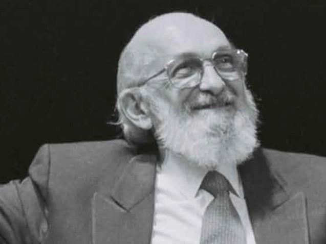 Proposta quer retirar o título de patrono da educação de Paulo Freire