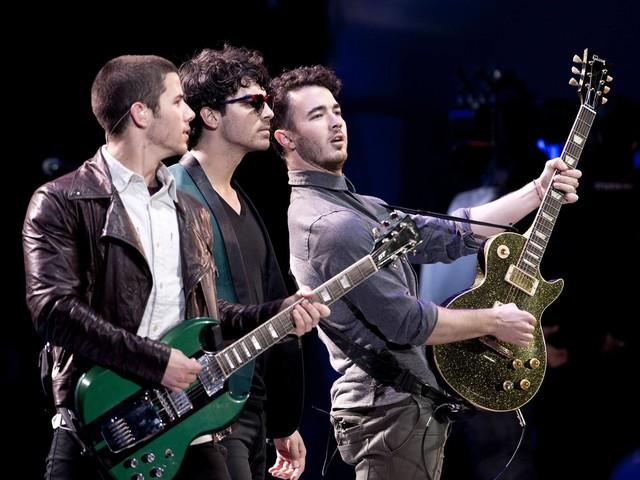 Jonas Brothers anunciam novo álbum chamado 'Happiness Begins' para o início de junho