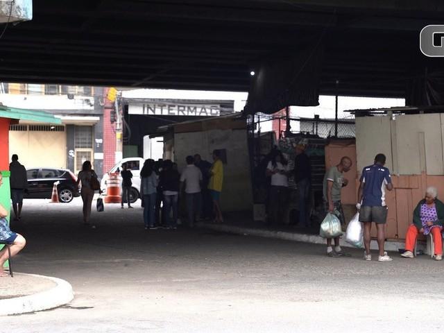 Cerca de 1.500 famílias vivem embaixo de pontes e viadutos em SP sob risco de incêndios: 'É um cantinho para ter dignidade'