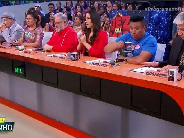 Com quadro considerado sucesso, Ratinho perde novamente para o reality A Fazenda e amarga o 3º lugar