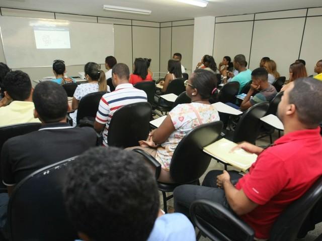 Veja as vagas do SineBahia para a sexta-feira em Salvador e interior