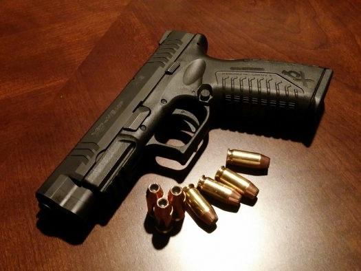 YouTube proíbe vídeos que promovem a venda de armas de fogo