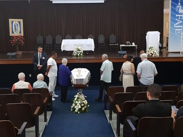 Corpo de Padre Quevedo é velado em Belo Horizonte nesta quinta-feira
