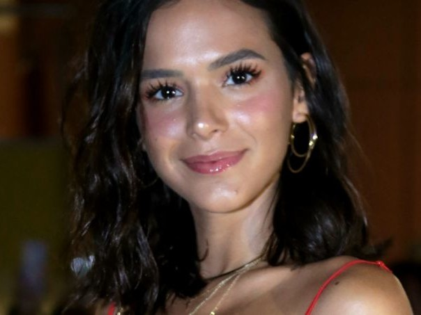 No Vídeo Show, Bruna Marquezine exibe nova personagem e dá dica para direção da Globo