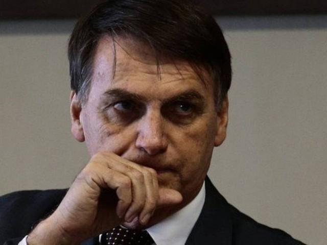 Bolsonaro veta avaliação para médicos brasileiros proposta por futuro ministro da Saúde