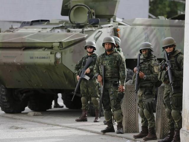 Equipe de Paulo Guedes negocia a inclusão de militar na reforma da Previdência