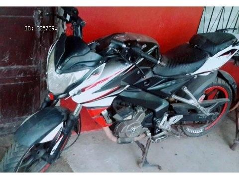 Moto pulser ns 200cc