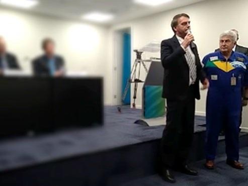 Primeira reunião do astronauta Marcos Pontes com cientistas gera constrangimento