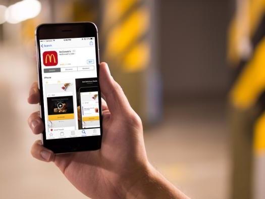 McDonald's usa imagem de iPhone 8 para promover app na Austrália