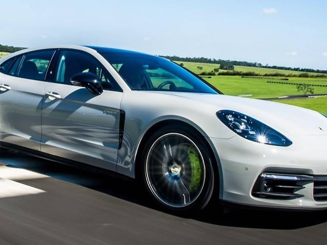 Porsche Panamera 4 E-Hybrid chega ao Brasil por R$ 529 mil