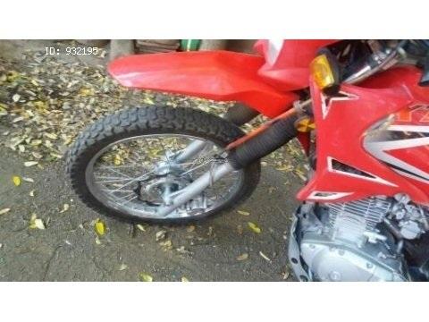 Vendo moto Génesis 200