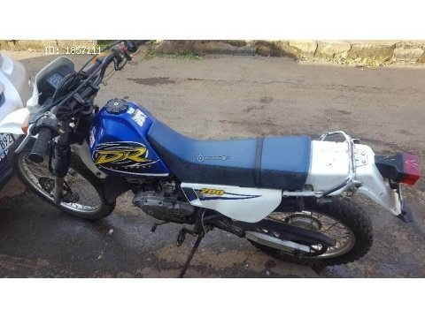 Vendo moto suzuki DR200