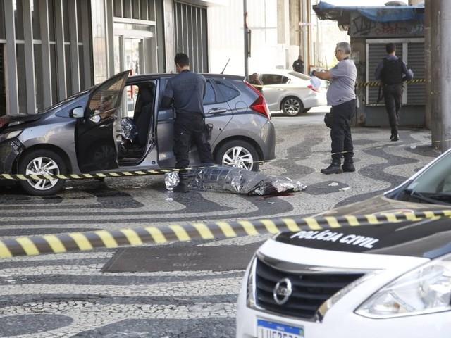 Segundo testemunhas, morador de rua é um dos mortos em confronto entre PM e bandidos no Centro