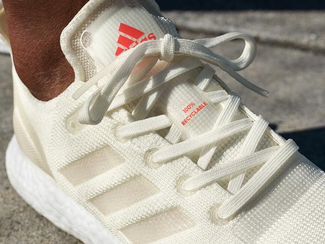 Adidas lança seu primeiro tênis feito 100% com materiais recicláveis