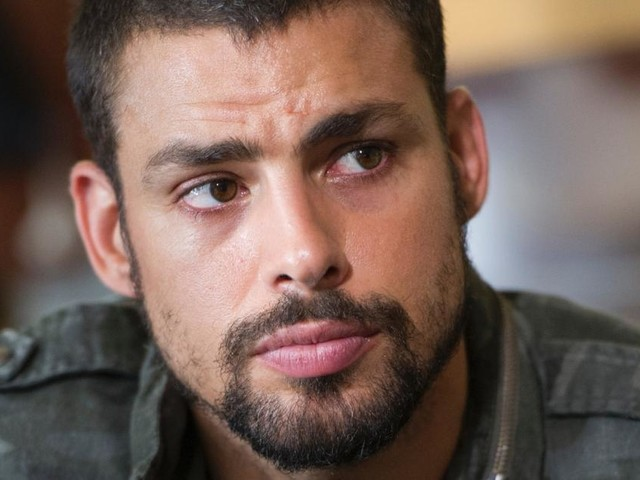 Cauã Reymond renova com a Globo com salário Milionário e exige não atuar junto a Isis e Grazi