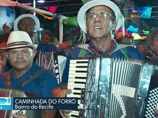 Caminhada reúne forrozeiros e Festa do Fogo homenageia Xangô no Recife