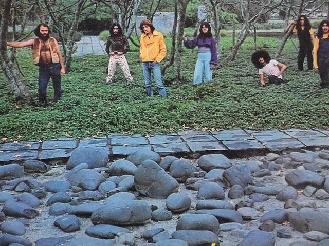 Painel de Controle - Chutando pedra (LP 1973)