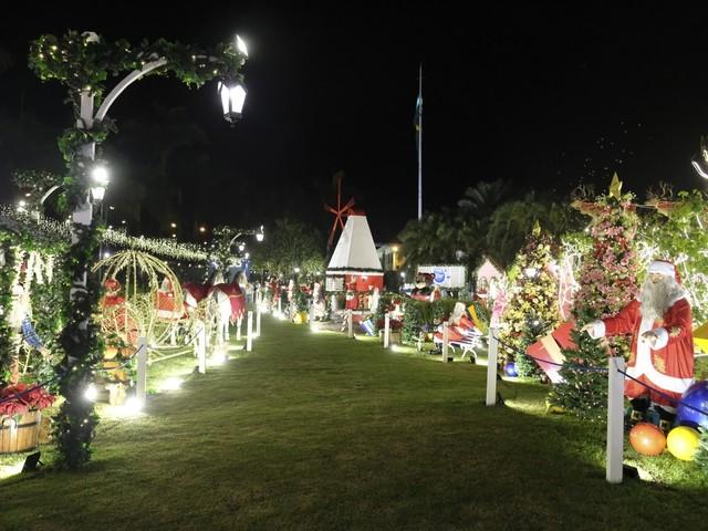 Cidades do Circuito das Águas têm programações de Natal com música, chegada do Papai Noel, brinquedos e decorações especiais