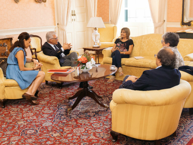 Funchal compromete-se a ajudar AMI no apoio prestados aos regressados da Venezuela