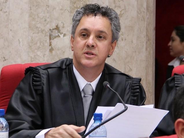 Gerbran é relator do processo contra Lula no TRF-4 e amigo de Moro