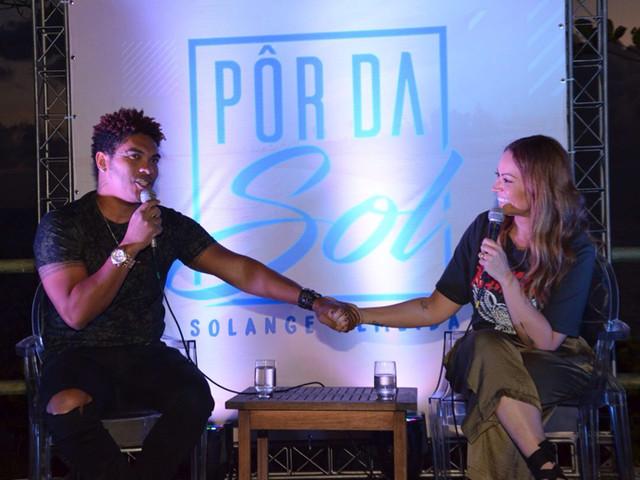 Sol Almeida lança ensaio em Salvador e anuncia Xanddy como convidado