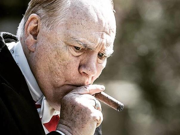 """""""Churchill"""": e dá-lhe Winston"""