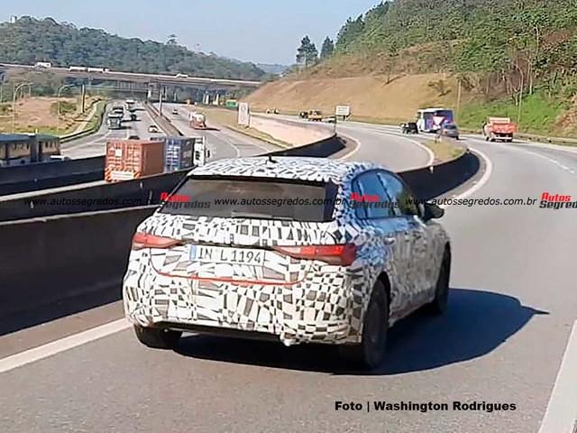 [Flagra] Novo Audi A3 Sportback já está em testes no Brasil