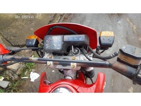 vendo moto honda XL 200