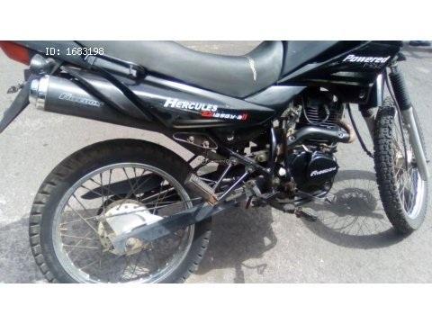 Vendo moto montañera 125cc 600$ 2013